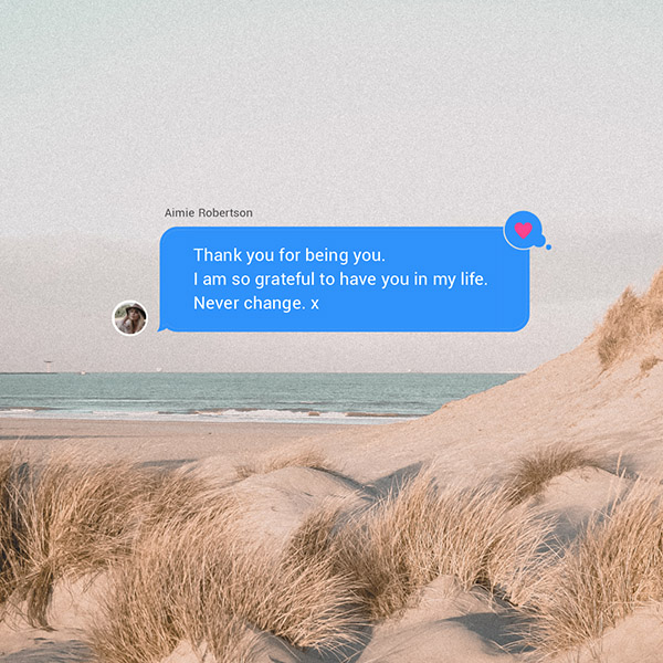 Testimonial speech bubble notification graphic template